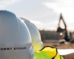 Tommy Byggare söker nya medarbetare. Är du en av dem?